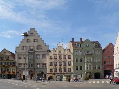 regensburg-bauwerke-haus-platz-bayern-stadt