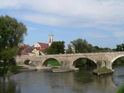 Bilder Fotos Sehenswürdigkeiten in Regensburg Steinerne Brücke