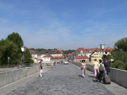 regensburg-weltkulturerbe-historische-steinerne-bruecke