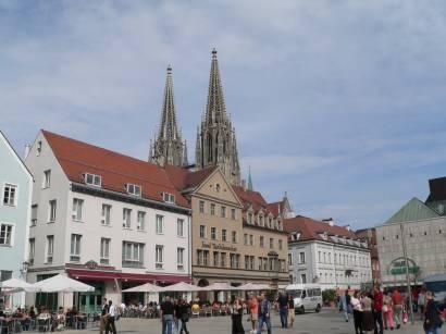 regensburger-sehenswürdigkeiten-historische-innenstadt-regensburg