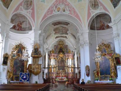 rinchnach-bayerischer-wald-bauwerke-kirche-innen-altar