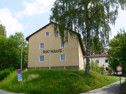 rinchnach-bayerischer-wald-bauwerke-rathaus