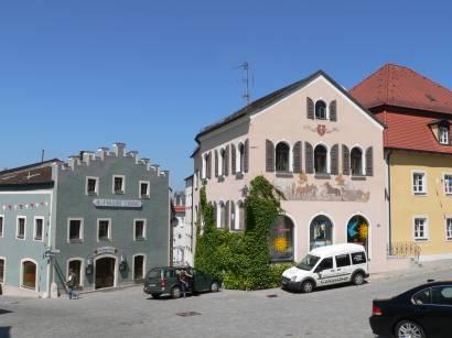 roding-bayerwald-regental-bauwerke-historische-hofmarkt-zinne