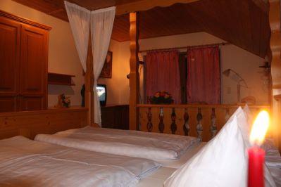 romantikapartments-ferienwohnung-sankt-englmar-schlafzimmer