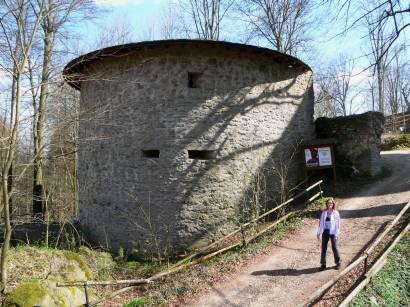 rötz-schwarzenburg-burgturm-historische-bauwerke