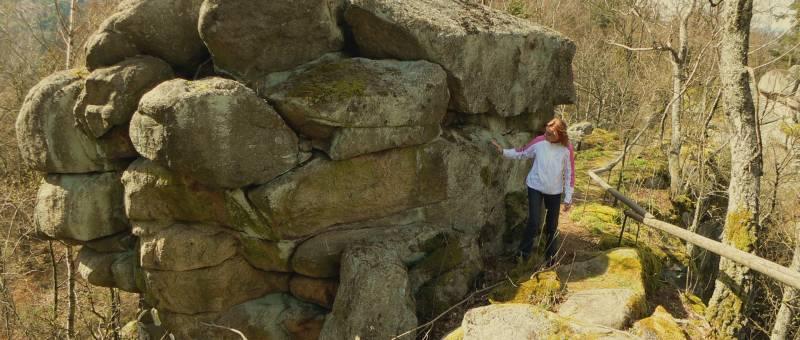 Naturphänomen Steinerne Wand Felsformation in Bayern in Deutschland
