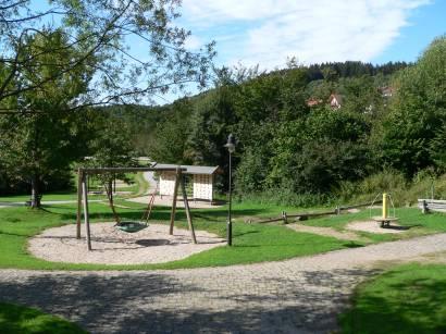 sankt-englmar-bayerischer-wald-ausflugsziel-kurpark-kinderspielplatz