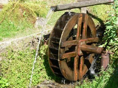 Ausflugsziele und Sehenswürdigkeiten in Sankt Englmar sehenswertes-wasserrad