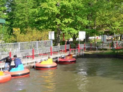 schloss-thurn-wasserspiele-boot-fahren-bayern