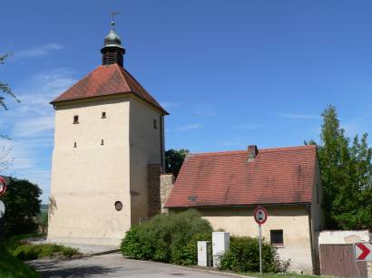 schwandorf-oberpfalz-ausflugsziel-wahrzeichen-stadtmauer-stadtturm