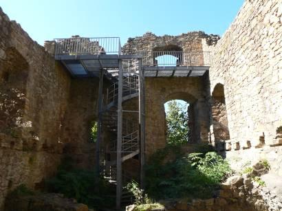 stamsried-burgruine-kürnburg-ruine-kürnberg-burgen-mauern