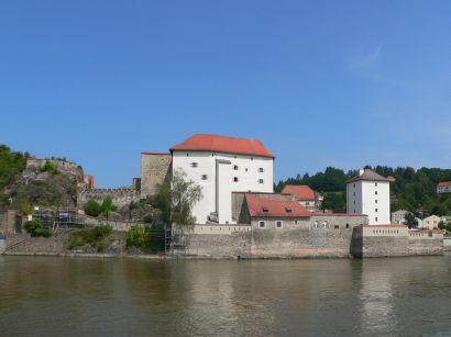 Veste Unterhaus in Passau - wasserburg-wasserschloss-bayern
