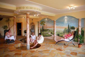 wellness-ferienhaus-deutschland-pool-gruppenurlaub-bayern