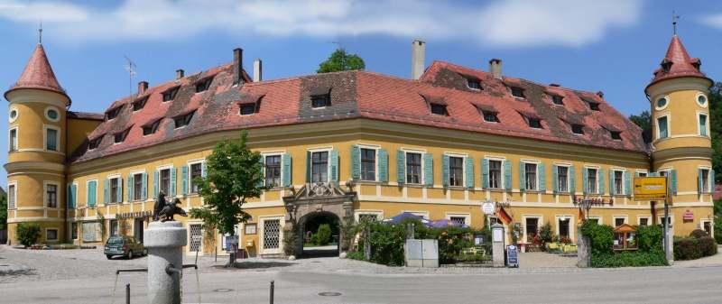 Schloß Wiesent in der Ortschaft Wiesent an der Donau nähe Regensburg