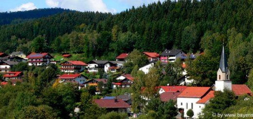 achslach-unterkunft-ferienort-bayerischer-wald-ausflugsziele-ansicht