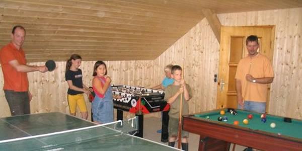 aignerhof-kirchberg-bauernhofbayersicher-wald-familienurlaub-spielraum