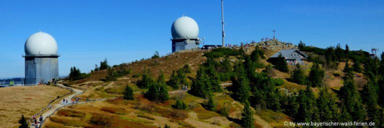arber-berggipfel-ausflugsziele-bayerischer-wald-highlights-wandern