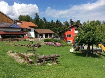 Familien Bauernhof im Bayerischen Wald Ansicht