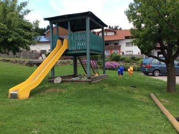 kinderfreundlicher Urlaub Ferienwohnungen Spielplatz