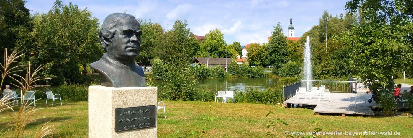 Kneipp Urlaub im Bayerischen Wald Sebastian Kneipp Statue in Bad Kötzting