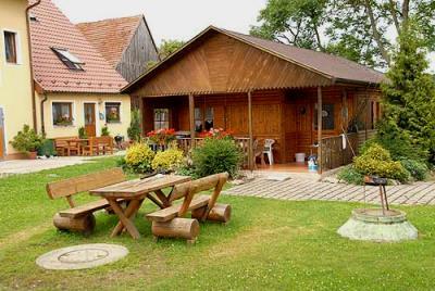 bartlhof-ferienhaus-holzhaus-blockhaus-oberpfalz-naab