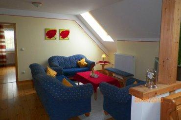 bartlhof-ferienwohnung-naabblick-wohnzimmer