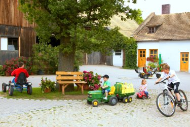 Familienurlaub auf dem Baby Kinder Bauernhof