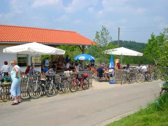 bauernhof-gillingerhof-chamerau-brotzeitstation-fahrradweg