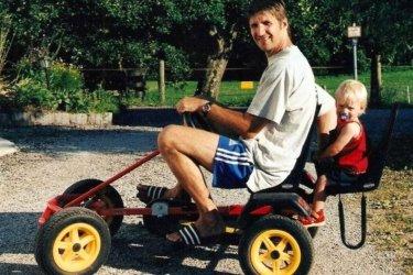 bauernhof-lalling-familienurlaub-kettcar-fahren
