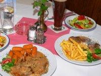 bayerischer-wald-gasthof-essengehen-gasthaus-speisen