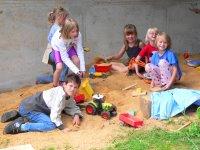 bayern-familienurlaub-kinderfreundlich-spielplatz-sandkasten