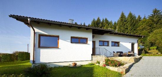 bergferienbungalow-mieten-bayern-berghaus-bayerischer-wald