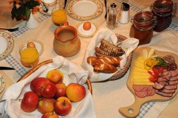 bergdorf-huettenhof-luxus-bergchalets-kulinarisches-oesterreich