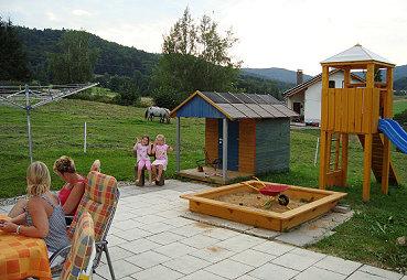 Ferienwohnung Bierl in Gleissenberg Kinderspielplatz