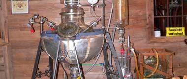 böbrach-gläserne-destille-schnaps-museum-bärwurz-brennerei-panorama-380