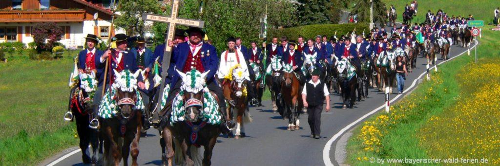 Pfingstritt Bayerischer Wald Brauchtum in Bayern Tradition in Niederbayern
