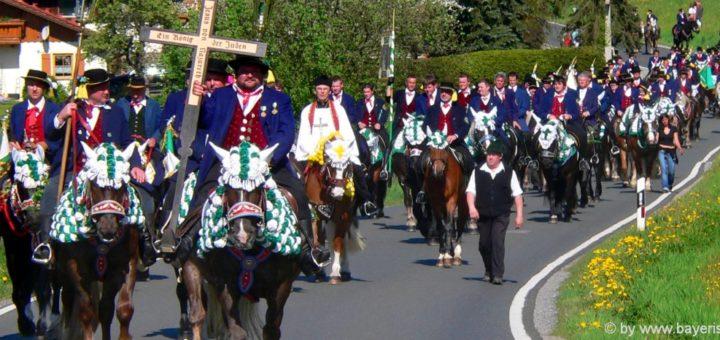 brauchtum-oberpfalz-kultur-niederbayern-tradition-bayerischer-wald-pfingstritt
