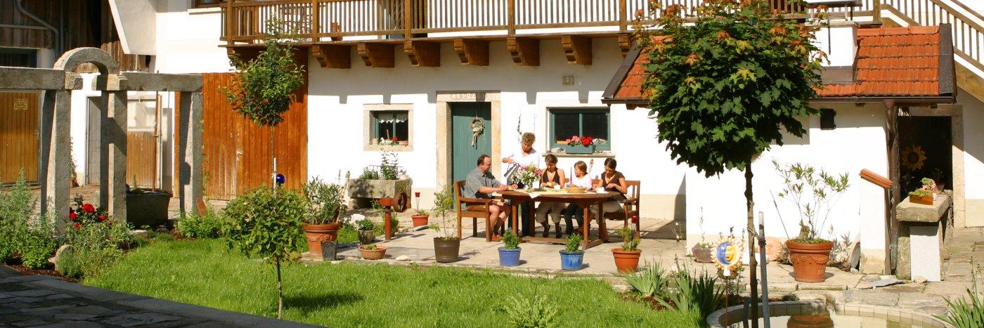 Bayern Familien Bauernhof Ferien für Kinder mit Wellness am Breinhof