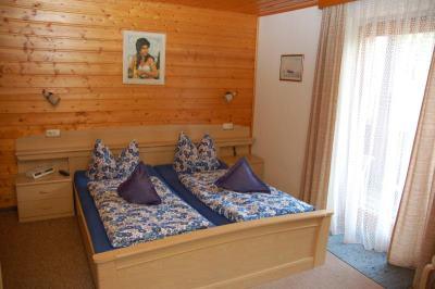 Gästezimmer in Bayern Hotel in Kolmstein