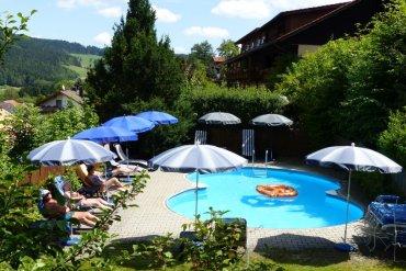 buchberger-kolmstein-familienhotel-swimming-pool-370