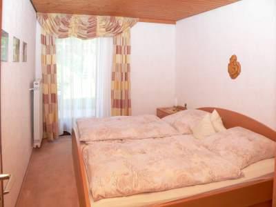 eibl-ferienwohnung-im-erdgeschoss-bayerischer-wald-schlafzimmer