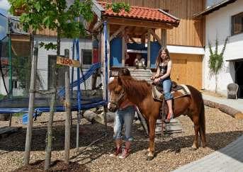 Deutschland Reiturlaub für Kinder Ponyreiten