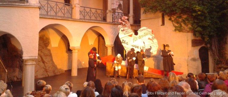 Burghofspiele in Falkenstein - Freilichtspiel auf der Burg Falkenstein