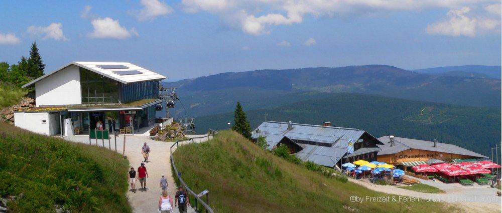 familienausflugsziele-arber-bergstation-bayerischer-wald-panorama-1000