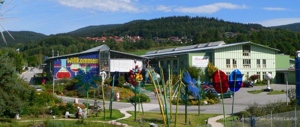 familienausflugsziele-bodenmais-joska-kristall-glas-glasverkauf-kinderspielplatz