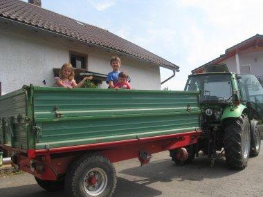 Straubing Wandern Traktor fahren Bauernhof Urlaub