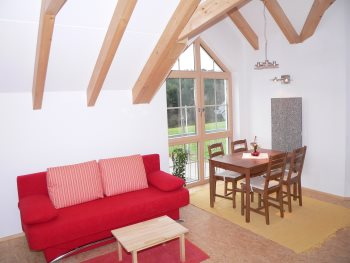 Wohnen - Ferienhaus mit natürlicher Bauweise in Bayern