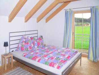 Ferienhaus mit zwei modern eingerichteten Schlafzimmern mit Doppelbetten