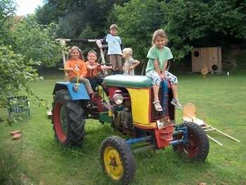 Traktor fahren - Bauernhofferien bei Viechtach / Bodenamis