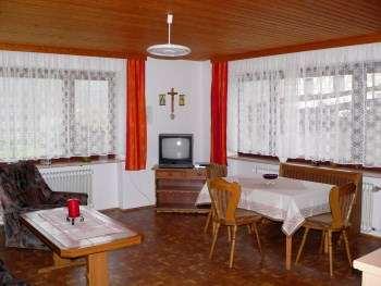 Unterkunft für Monteure nähe Regensburg - Wohn und Essbereich